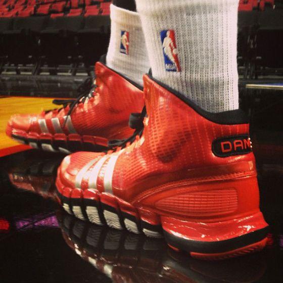 adidas-crazyquick-damian-lillard-red-pe