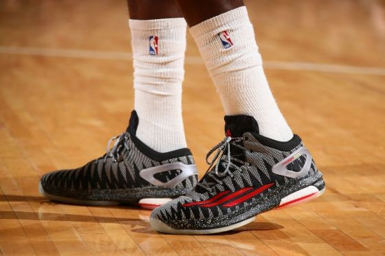tim-hardaway-jr-adidas-crazylight-boost-bad-dreams-01